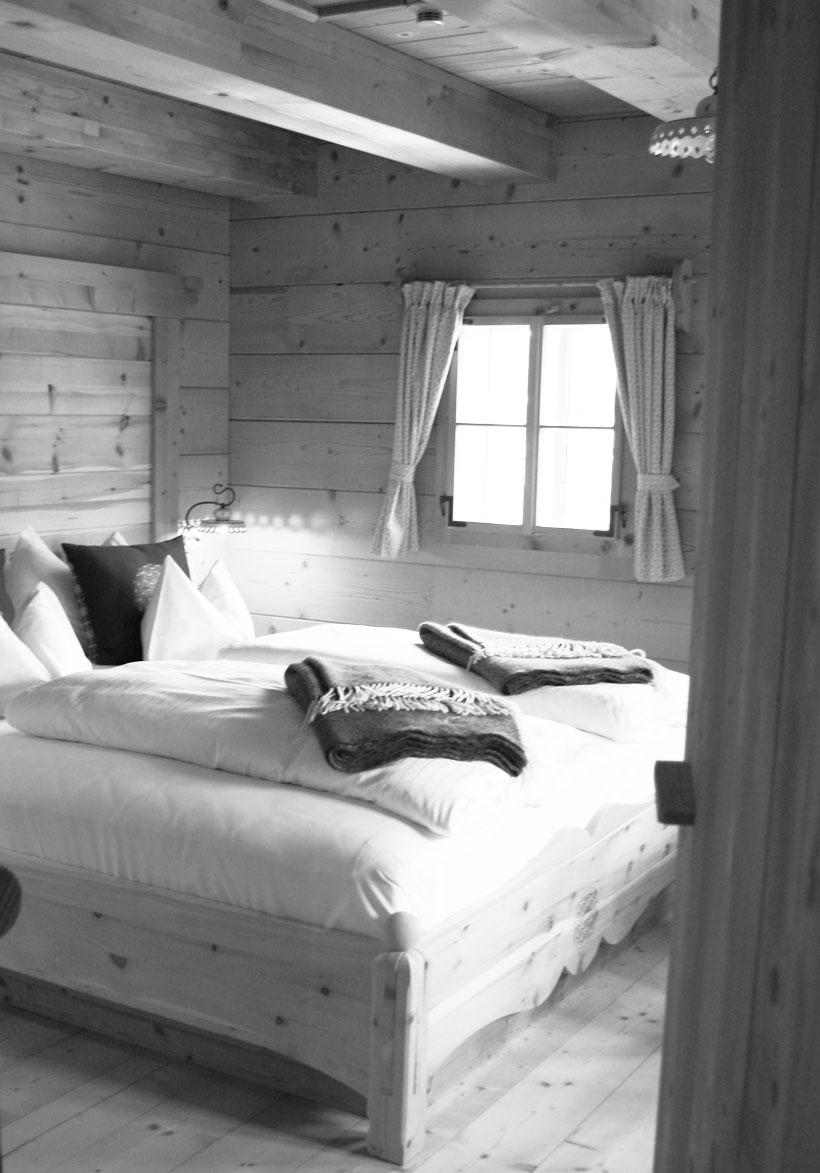 Almdorf-Schlafzimmer1