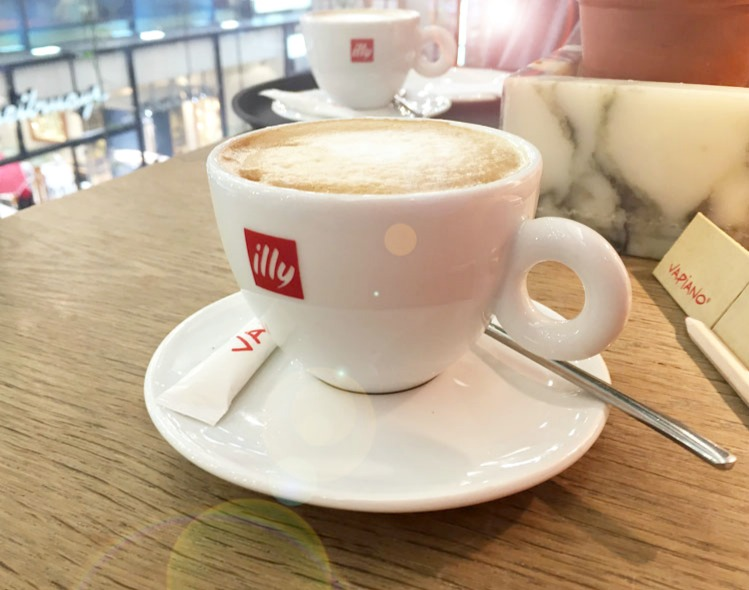 Vapiano_Muenchen-Illy_Cappuccino_Dessert