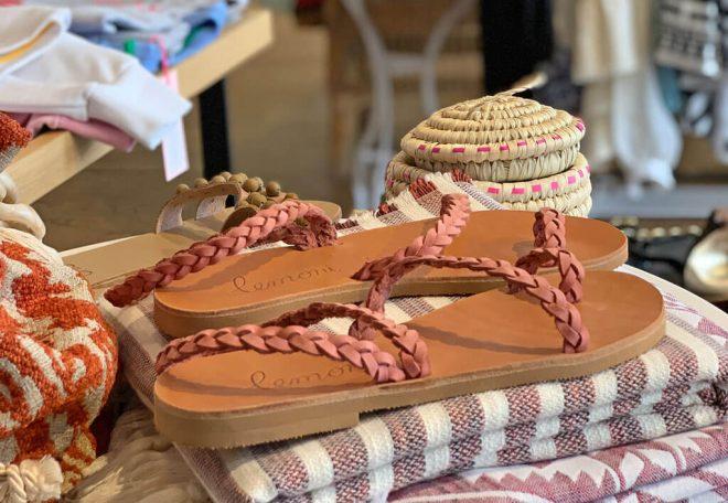 Der Sandalen Sommer mit Sandalen von Lemoni kann kommen.
