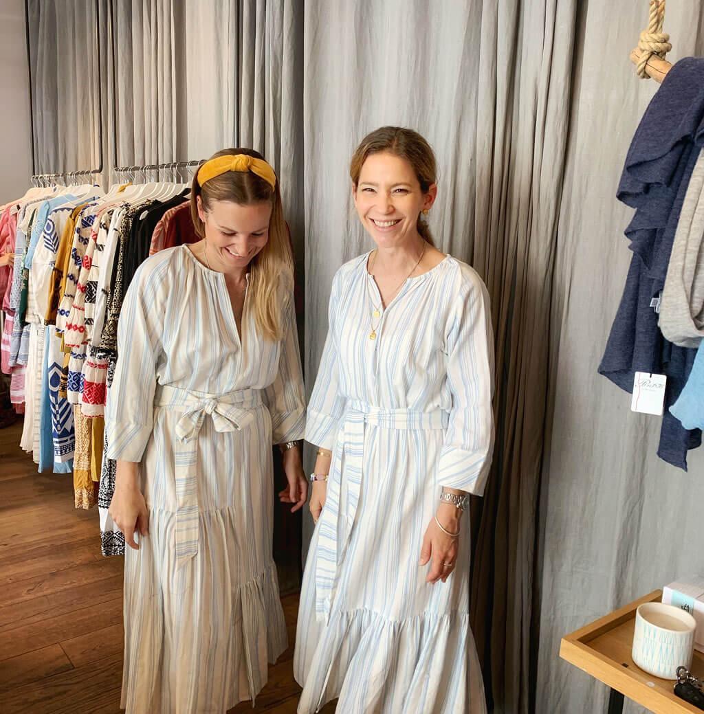 Kleider Anprobe im Lemoni Shop München mit Stylist Cappu Mum