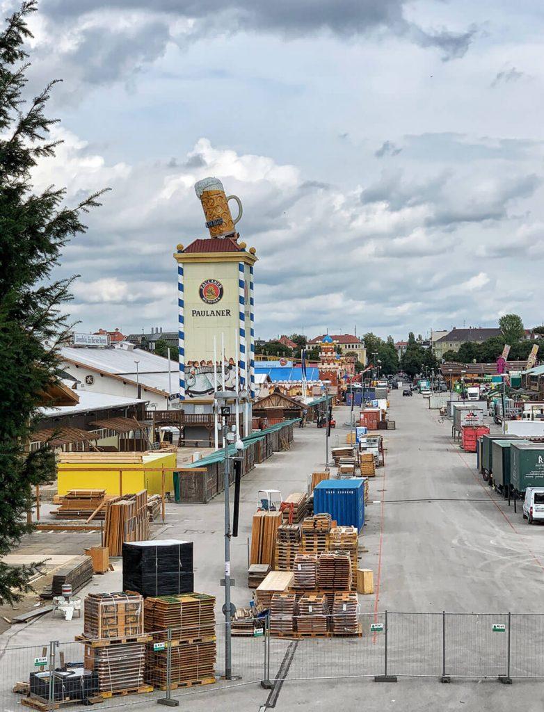 Wiesnaufbau 2019 mit den Pletschacher Bauprofis