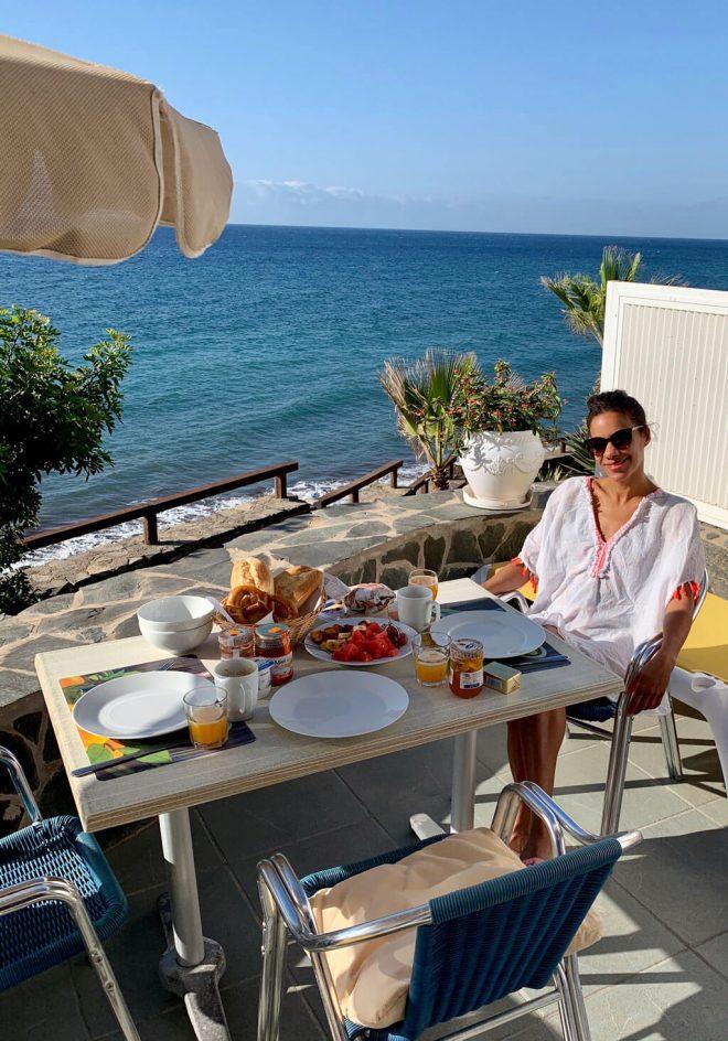 Frühstück am Meer auf Gran Canaria