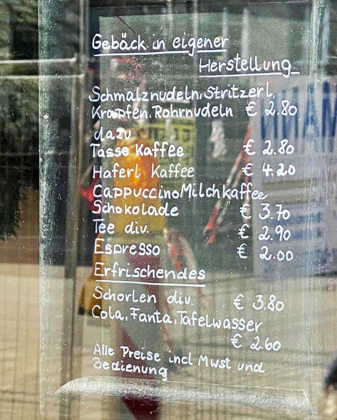 Im Cafe Frischhut gibt es Schmalznudeln und mehr